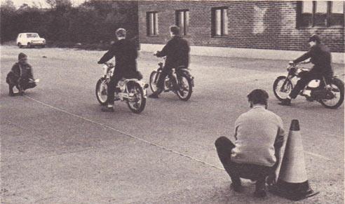 vilken högsta hastighet är en moped konstruerad för?